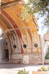 The lofted structures of Arcosanti | Bare Escape