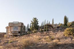 Views from afar of the Arcosanti compound | Bare Escape