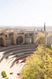 The amphitheater of Arcosanti that can hold up to 500 people | Bare Escape